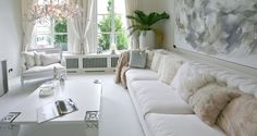 Do you have too small, too narrow or oddly-shaped rooms in your home? There are useful interior design tricks and home staging tips for adding depth to living spaces and balancing any room shape visually Living Room White, White Rooms, Room Design, Decor, Home, Trendy Living Rooms, Luxury Interior, White Interior, Home Decor
