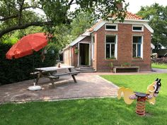 Gezellig, ouderwets huisje in Lageland, Groningen. - Huizen te Huur in Lageland, Groningen, Nederland Outdoor Decor, Room, Home Decor, Bedroom, Decoration Home, Room Decor, Rooms, Home Interior Design, Rum