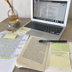 Great Advice For The College Years And Beyond Study Desk, Study Space, Study Pictures, Study Organization, Pretty Notes, Study Hard, Study Notes, Study Motivation, Student Life