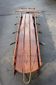Antique Flexible Flyer Sled No. 6 Model Believed to have been manufactured 1908 Exceptional condition For local pick up only.