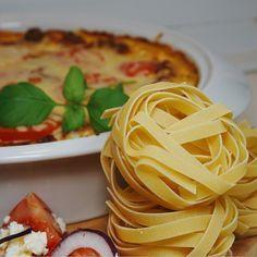 Tagliatellegratäng med köttfärs och fetaost - Victorias provkök Ketchup, Spaghetti, Pasta, Lunch, Cooking, Ethnic Recipes, Food, Lasagna, Meal