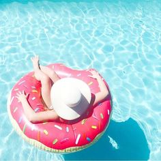 Minutes summer feeling, summer vibes, ways to relax, summer baby, summer fu Summer Feeling, Summer Vibes, Summer Baby, Summer Fun, Summer Pictures Tumblr, Vibes Tumblr, Bff, Pool Floats, Ways To Relax