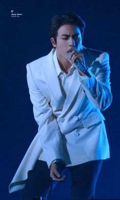 "Kim Seokjin singing ""Epiphany"" 💜 a whole KING. Seokjin, Namjoon, Hoseok, Taehyung, Bts Jin, Jin Kim, Jimin, K Pop, Kdrama"