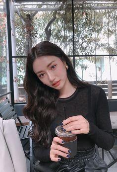 Ulzzang Hair, Ulzzang Korean Girl, Ulzzang Fashion, Korean Fashion, Cute Makeup, Makeup Looks, Korean Beauty, Asian Beauty, Pretty Asian