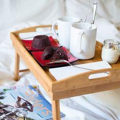 Good morning!! A #Sunday well spent brings a week of content!! #breakfast #caffe #tortinoalcioccolato #cacao #colazione #fondantauchocolat #mug #coffee #goodmorning #backtobed #weekend #mirkoskitchen #fujilovers #foodphotography
