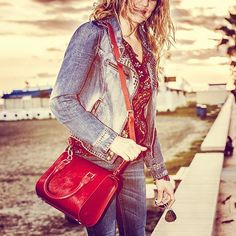 Rachel- mini bowling style F/W in red color. Buy it on my website: http://www.virtucugat.com/en/bolsos/rachel-mini-bowling #VirtuCugat #bag #ootd #fashion #luxury #luxurybag #luxurylife #España #limitededition #trending #design #trendybags #trend #trendy #redbag #style