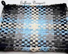 Handmade Blue and Gray Woven Pot Holders Potholder Loom, Potholder Patterns, Crochet Dishcloths, Apron Patterns, Dress Patterns, Pot Holder Crafts, Pot Holders, Loom Weaving, Hand Weaving