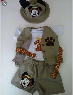 Safari Theme Birthday, Jungle Theme Parties, Wild One Birthday Party, Jungle Party, Safari Party, Mickey Mouse Birthday, Baby Boy 1st Birthday, Zoos, Valentino