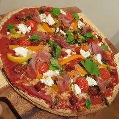 Dinner was damn fine earlier on. Pete's healthy take on pizzas is kicking ass as always  #pizza #fakeaway #carbs #protein #fitfuel #sprintkitchen #foodblogger #food #foodie #healthy #healthymeals #healthyfood #blog #blogger #foodblogger