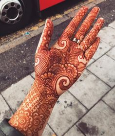 All the women and girls who are searching for charming designs of henna they must go through from the given link because here we have created a list of awesome mehndi designs for all the fashionable women in Indian Mehndi Designs, Latest Bridal Mehndi Designs, Full Hand Mehndi Designs, Modern Mehndi Designs, Henna Art Designs, Mehndi Design Pictures, Mehndi Designs For Girls, Mehndi Designs For Beginners, Wedding Mehndi Designs