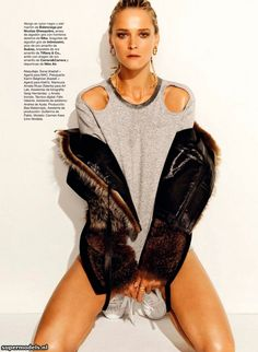 Carmen Kass in 'Entrando En Calor' - Photographed by Nico (Harper's Bazaar Spain January 2013)    Complete shoot after the click...