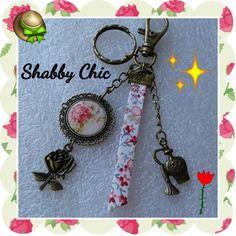 """Porte-clés ou bijou de sac """"shabby chic"""" liberty et breloques"""