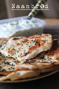 Grove naanbrød på panden ca. 12 stk (Recipe in Danish) Greek Recipes, Indian Food Recipes, Real Food Recipes, Snack Recipes, Savoury Baking, Bread Baking, Bread Winners, Good Food, Yummy Food