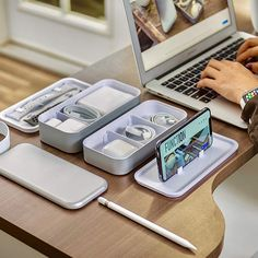 BentoStack Apple Accessory Organizer Source by Technology Gadgets, Tech Gadgets, Cool Gadgets, Phone Gadgets, Iphone 7, Apple Iphone, Iphone Cases, Edc, Accessoires Iphone
