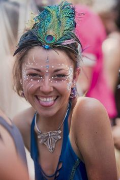 Face paint, jewels, gems, crystals and lots and lots of colour this is Rainbow Serpent festival makeup. Get creative and get colourful. Rainbow Serpent Festival, Melbourne, Festival Makeup Glitter, Glitter Face, Rainbow Makeup, Face Treatment, Makeup Step By Step, Bindi, Makeup Videos