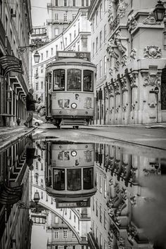 If you combine black and white photography with reflections and then architecture I will forever by in love with the photo