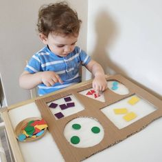 Diy Babyspielzeug lernen - RetroModa, You are in the right place about Montessori Materials printables Here we offer you the most beautiful pictures about the ho Preschool Learning Activities, Baby Learning, Infant Activities, Kids Crafts, Preschool Crafts, Toddler Crafts, Montessori Toddler, Toddler Play, Montessori Art