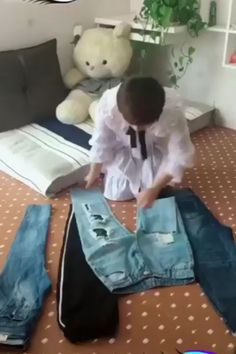 How to Fold Clothes to Save Precious Drawer and Closet Space. Store your shirts, pants, [Video] in 2020 How to Fold Clothes to Save Precious Drawer and Closet Space. Store your shirts, pants, [Video] in 2020 Diy Crafts Hacks, Diy Home Crafts, Simple Life Hacks, Useful Life Hacks, Amazing Life Hacks, Diy Clothes And Shoes, Fold Clothes, Storing Clothes, Clothes Storage