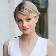 Jessica Stam does fresh faced beauty flawlessly