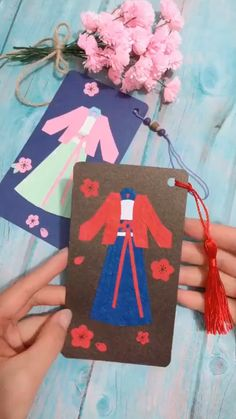 Elegant Dress Bookmark - Who didn't like reading books? Reading brings us everything. Use paper to make a special dress bo -DIY Elegant Dress Bookmark - Who didn't like reading books? Reading brings us everything. Use paper to make a special dres. Diy Home Crafts, Diy Arts And Crafts, Creative Crafts, Fun Crafts, Diy Crafts For Kids, Creative Ideas, Paper Crafts Origami, Paper Crafting, Origami Bird
