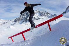 La nostra Rider e mestra di Snowboard Elena Graglia in Val Senales..... Rimani connesso con RadicalTeam>>https://www.facebook.com/radicalteam.profilo?ref=ts&fref=ts