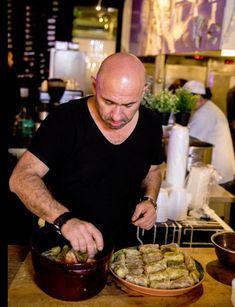Aceasta este rețeta secretă de sarmale a lui Chef Scărlătescu Romanian Food, Romanian Recipes, Mini Burgers, Artisan Food, Cake Recipes, Vegetables, Cooking, Album, The Secret