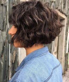 Thick Curly Haircuts, Haircut Thick Wavy Hair, Short Thick Wavy Hair, Thick Frizzy Hair, Wavey Hair, Wavy Bob Hairstyles, Long Layered Hair, Short Hair Cuts, Short Hair Styles