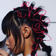 This season we're revisiting our childhood hairstyles with Troll dolls and neon hair ties - Nostalgia: Why 2018 Was the Year of the Nineties - Rolling . Hair Inspo, Hair Inspiration, Character Inspiration, Pelo Editorial, Beauty Editorial, Inspo Cheveux, Neon Hair, Hair Reference, Vogue Paris