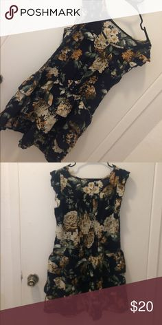 Floral print dress 8/10 condition Dresses Mini