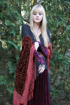 Velvet shawl & Gypsy's Gauntlet
