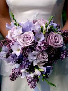 Purple Wedding Flowers Color of the Year Violet Wedding Ideas to Inspire! Purple Wedding Bouquets, Flower Bouquet Wedding, Floral Wedding, Wedding Colors, Trendy Wedding, Wedding Ideas, Bridal Bouquets, Purple Wedding Flower Arrangements, Purple Summer Wedding