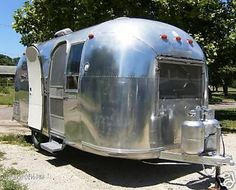 Pictures of  1967 Vintage Airstream Globetrotter Original 20 Foot
