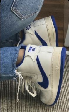 Dr Shoes, Swag Shoes, Hype Shoes, Me Too Shoes, Jordan Shoes Girls, Girls Shoes, Sneakers Fashion, Fashion Shoes, Sneakers Nike