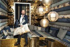 Nacho García Vinuesa, el arquitecto e interiorista creador del espacio chill out exclusivo para Decasa en Casa Decor Madrid 2012, http://www.decasa.tv/actualidad/especiales/nacho-garcia-vinuesa-casa-decor-madrid-2012