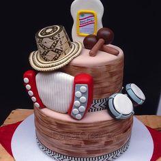 #Tortas increíbles para #cumpleaños inolvidables. Si te gusta el #vallenato esta es para ti. 0424-7527444  #fiestavallenata #party #vallenato #tortavallenata #cucuta #ureña #SanCristobal  #cakedesign #cake #music #happybirthday @lissalej @jeferson8571