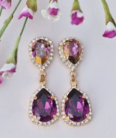 7879ebac4d5c94 Gorgeous new earrings made using premium settings and Swarovski rhinestones.  The earrings feature a gold
