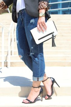 Go to black heels from #Zara, paired with my #Target black and white clutch!