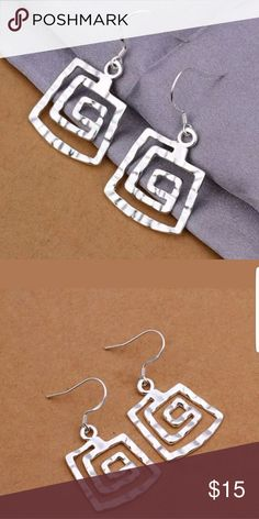 FASHION EARRINGS These earrings have a beautiful design that just stands out when worn . Jewelry Earrings