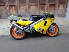 Lapak Moge Bekas Bintaro CBR400 NC23 - BINTARO - LAPAK MOBIL DAN MOTOR BEKAS