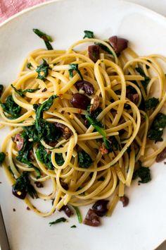 Fastest Pasta With Spinach Sauce Recipe . Συν θυμαρι