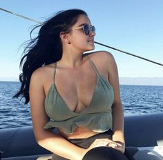 Ariel Winter Hot, Arial Winter, Under Your Spell, Modern Family, Bollywood Actress, Nice Tops, Outfit Of The Day, Boobs, Fotografia