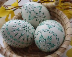 Easter Eggs, Set of 3 Decorated Green Chicken Eggs, Wax Embossed Chicken Eggs, Polish Pysanky Eggs Egg Crafts, Easter Crafts, Art D'oeuf, Carved Eggs, Ukrainian Easter Eggs, Easter Sale, Easter Traditions, Egg Art, Easter Eggs