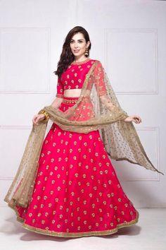 Ideas Wedding Dresses Indian Lehenga Choli For 2019 Indian Lehenga, Indian Gowns, Indian Attire, Indian Wear, Red Lehenga, Golden Lehenga, Banarasi Lehenga, Ghagra Choli, Sharara