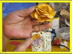 FLORZINHA DE CAIXA DE LEITE   Nane Mendes - Como fazer em detalhes Florz... Plastic Flowers, Paper Flowers, Milk Box, Decoupage Tutorial, Arts And Crafts, Diy Crafts, Made Video, Handicraft, Christmas Ornaments