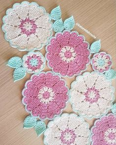 Crochet Table Runner, Crochet Tablecloth, Crochet Doilies, Crochet Stitches, Crochet Carpet, Crochet Home, Crochet Square Patterns, Knitting Designs, Handicraft