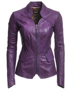 I want this purple leather jacket :) Purple Leather Jacket, Purple Jacket, Leather Blazer, Mode Rock, Purple Blazers, Purple Fashion, Leather Fashion, Blazer Jacket, Casual Outfits