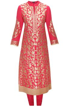 Fuchsia floral applique work kurta set available only at Pernia's Pop-Up Shop.