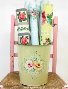 Country-chic vintage elegance abounds in this darling rosebud wallpaper. Cozy Cottage, Cottage Style, Wallpaper Display, Vintage Floral Wallpapers, Floral Cushions, Vintage Soul, Vintage Decor, Flower Patterns, Painted Furniture