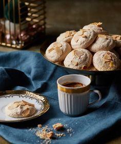 Pavlova, Stuffed Mushrooms, Muffin, Vegetables, Breakfast, Tableware, Kitchen, Food, Drinks