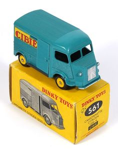 French Dinky 561 Comonnette Citroen Van Pic - So it wasn't just kids in the UK who got REALLY boring toys to play with. Antique Toys, Vintage Toys, Citroen Van, Miniature Cars, Corgi Toys, Istp, Matchbox Cars, Metal Toys, Hot Wheels Cars